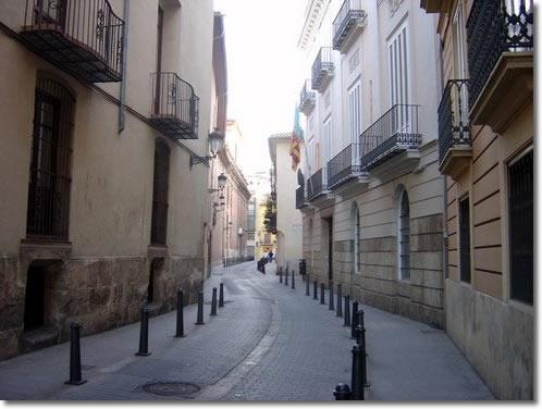 valencia-narrow-street.jpg